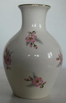 Daniel Steenstra vases including a Spotty Shape No.10 Daniel10