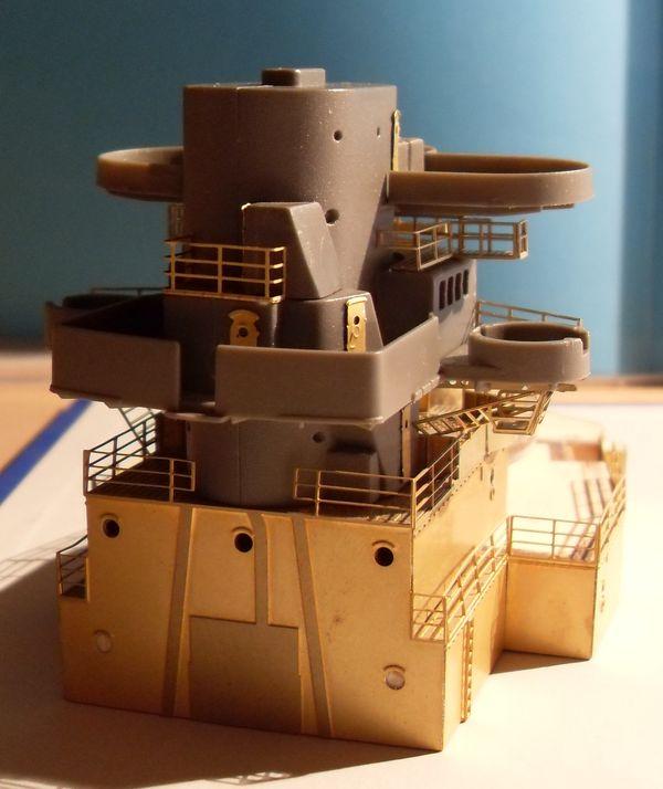 John`s Schlachtschiff Bismarck 1:200 von Amati - Seite 3 Gefech29