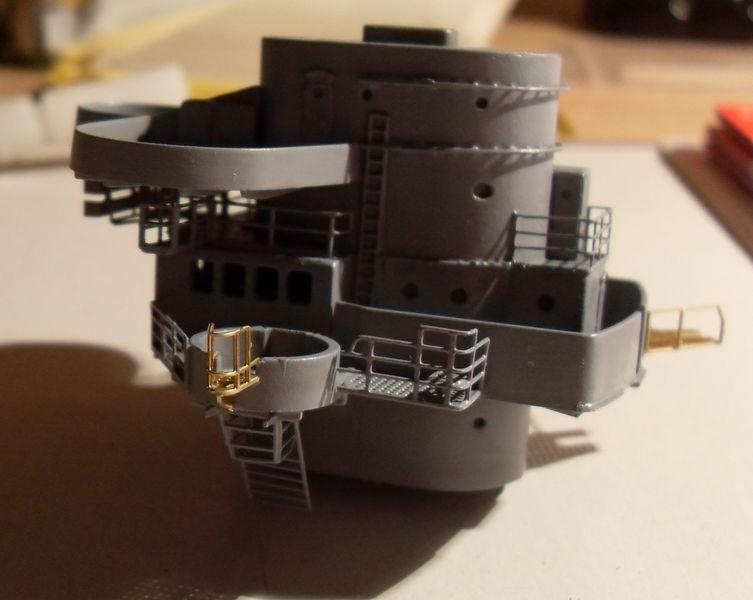 John`s Schlachtschiff Bismarck 1:200 von Amati - Seite 4 Gefech35