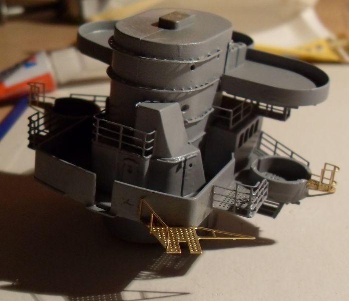 John`s Schlachtschiff Bismarck 1:200 von Amati - Seite 4 Gefech36