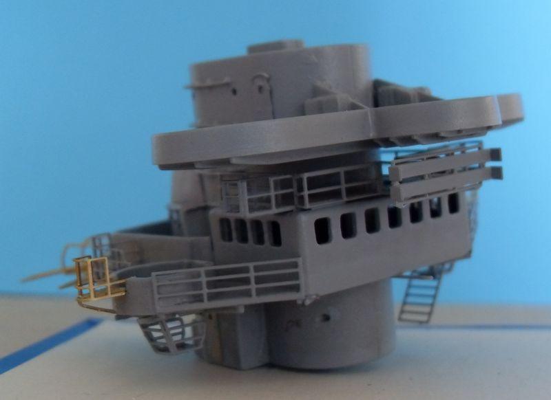 John`s Schlachtschiff Bismarck 1:200 von Amati - Seite 4 Gefech40