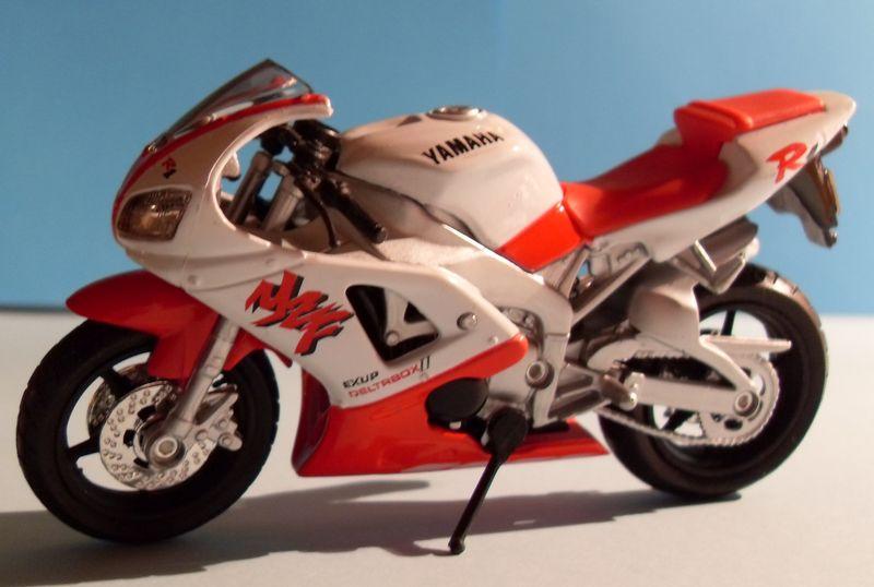 Motorradsammlung meiner Frau - Seite 2 Yamaha12