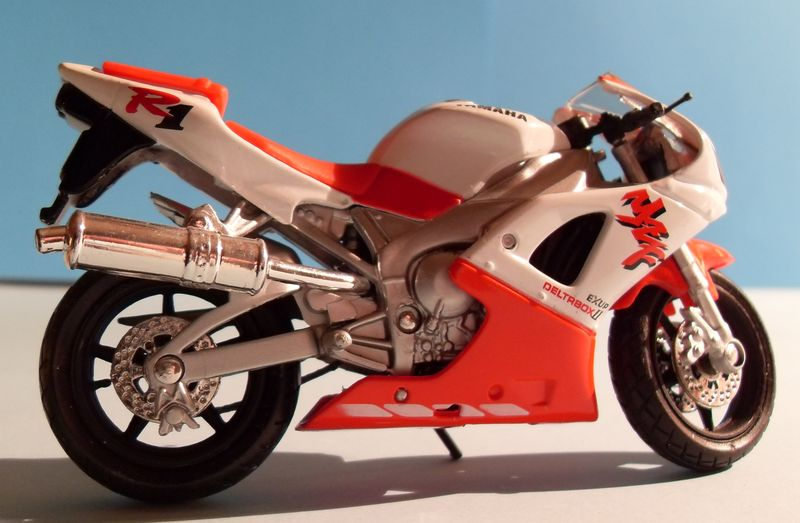 Motorradsammlung meiner Frau - Seite 2 Yamaha13