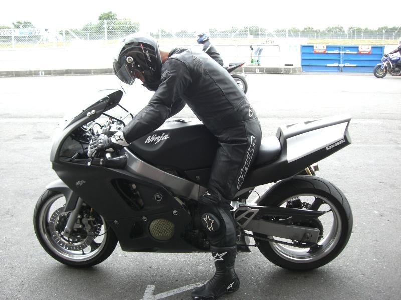 zx6r 97 piste noir mat Cimg2710