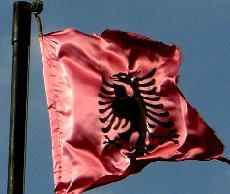 Emigrantët, t'i njohësh për të larguar frikën Shqipe10