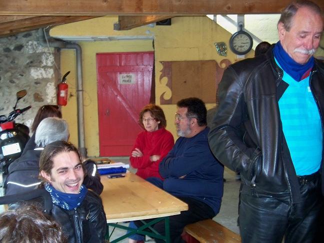 Compte-rendus Rencontre V2 en Ardèche 2013 - Page 4 100_4216