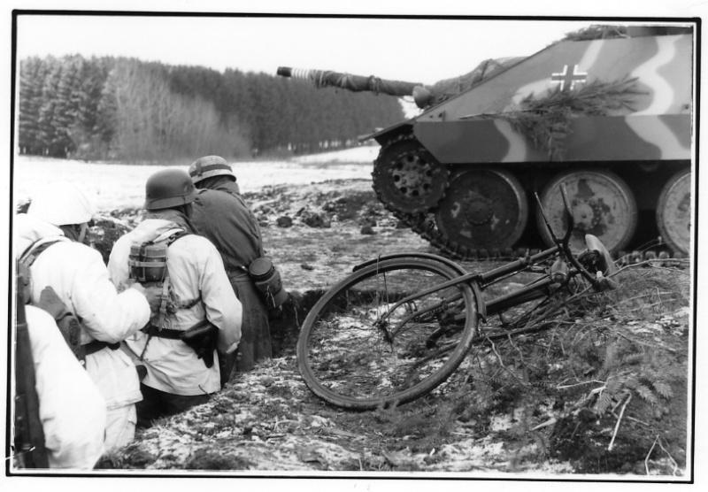 Photos de Vaux-sur-Sure (Waffen SS du Gbrhm) File1525