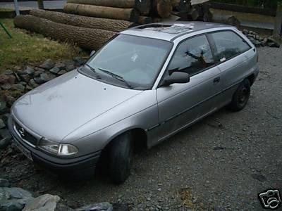 Mal dad Auto schwarz machen Astra_10