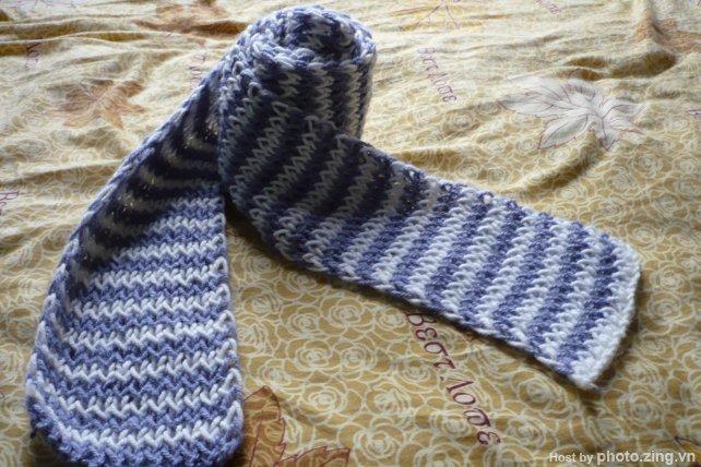 cho mình hỏi cách đan kiểu khăn này 87137310