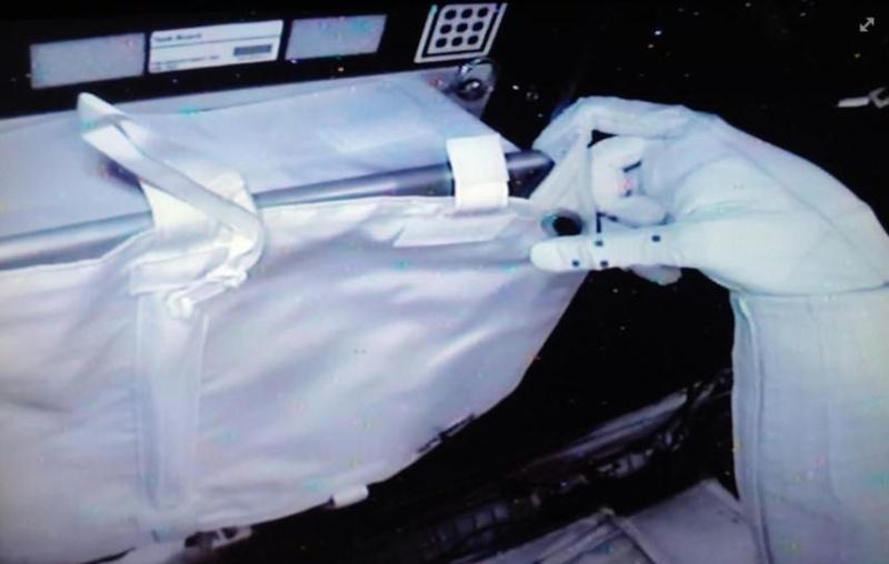 """Le """"Robonaute"""" de la NASA - Page 3 Screen56"""