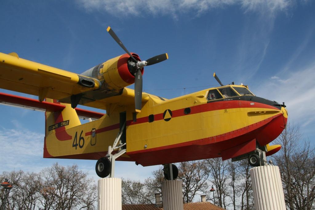 musée de l'aviation de st victoret - Page 2 Heres_11