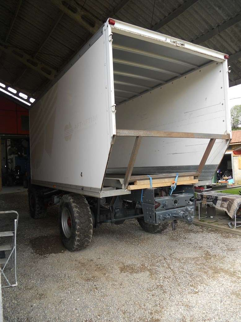 camping car à partir d'un Renault 110-170 4x4 : Gg1010