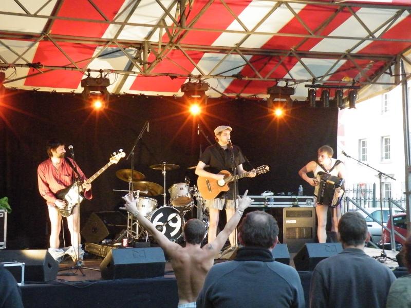Fête de la musique à Audincourt - Page 2 2009_076