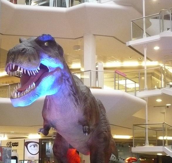 Invasion de dinosaure à Lyon P1110010