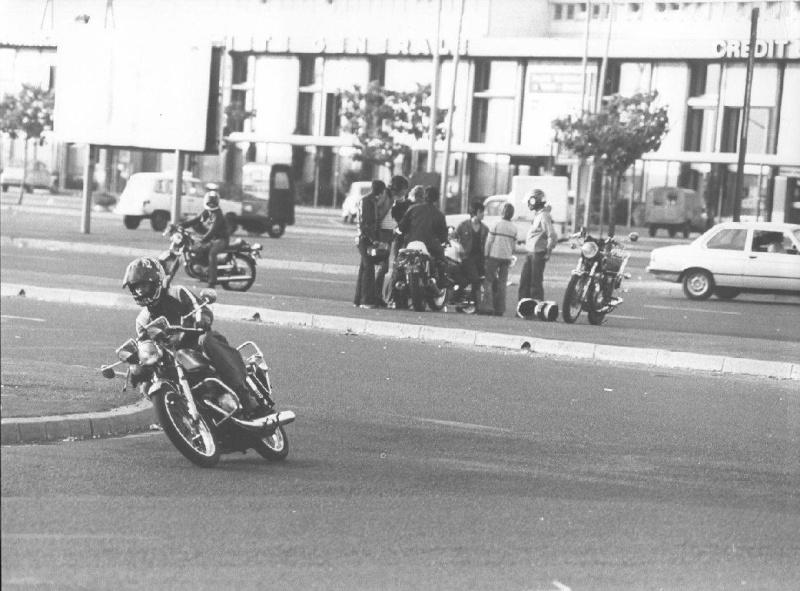 RUNGIS, CAROLE & 70's Moto_514