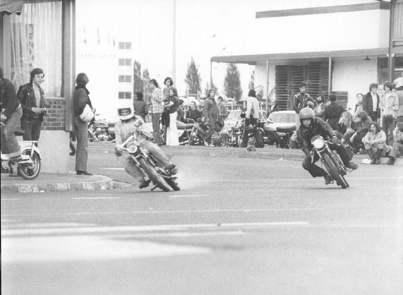 RUNGIS, CAROLE & 70's Moto_515