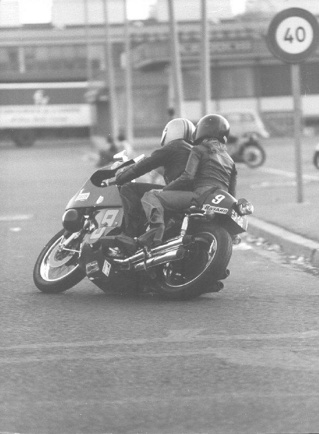 RUNGIS, CAROLE & 70's Moto_610