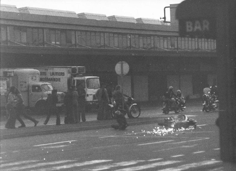 RUNGIS, CAROLE & 70's Moto_611