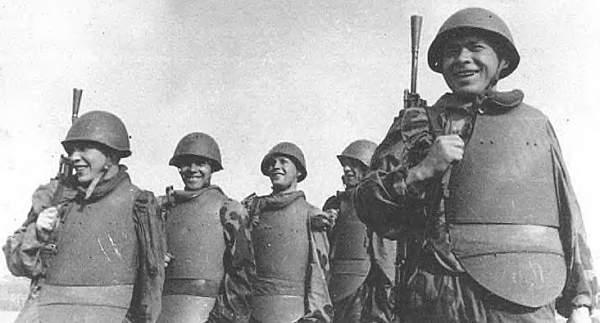 Les cuirasses d'assaut soviétiques. 194210