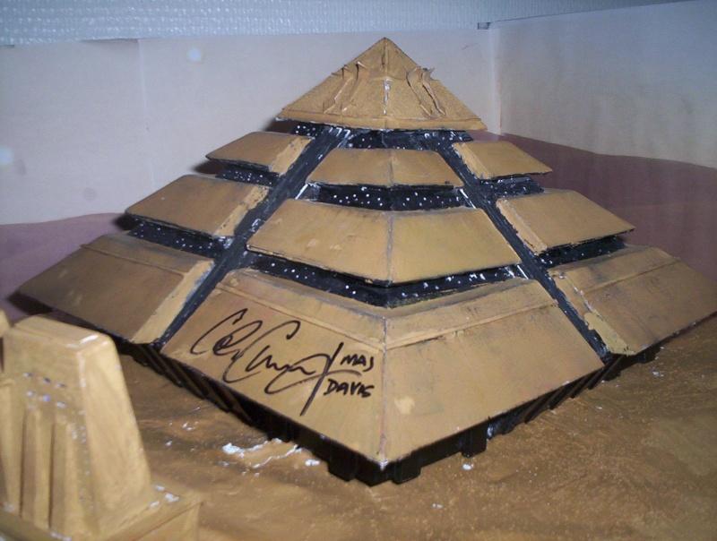 Diorama stargate pyramide de Ra 100_5110