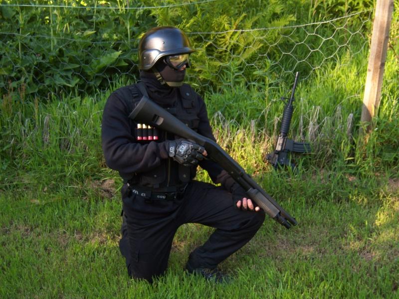 Meg og Espen i Swat/special force utstyr Nice_o10
