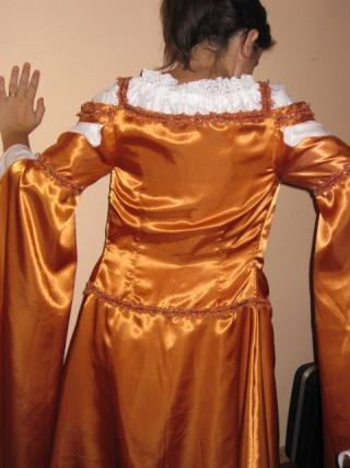 [MEDIEVAL] Robe pour femme enceinte avec le Simplicity S2573 Img_2311