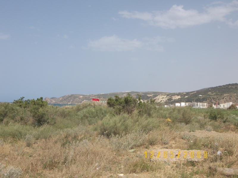 Une partie de Port Say vu de la frontière. Port_s11