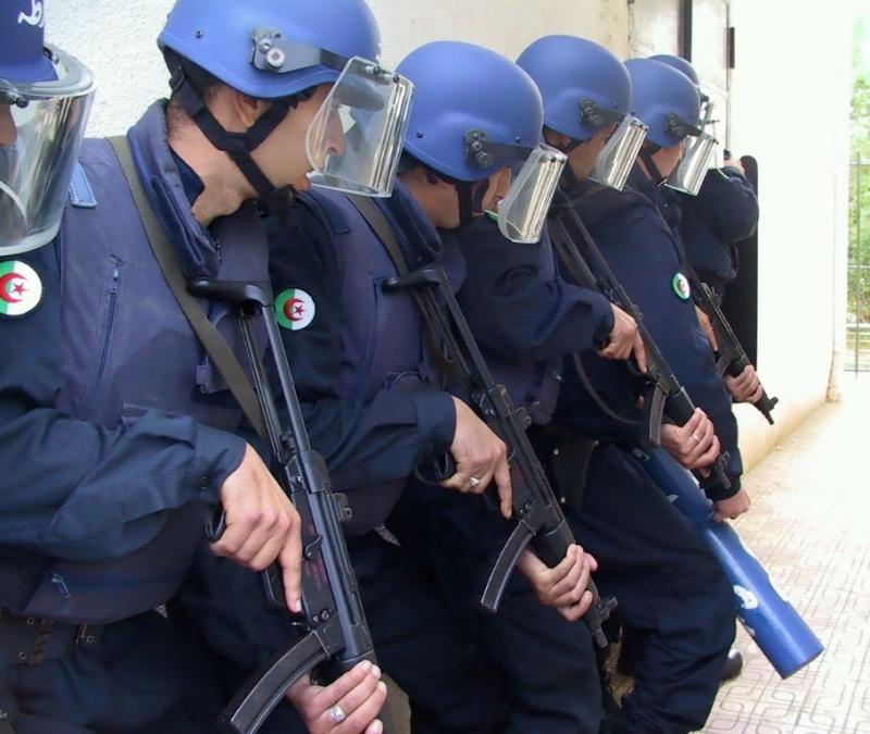 صور    B.R.I فرقة البحث والتدخل للشرطة الجزائرية  Bri_0311