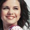 Selena Mania Serbia: Icons Center 32r4q210