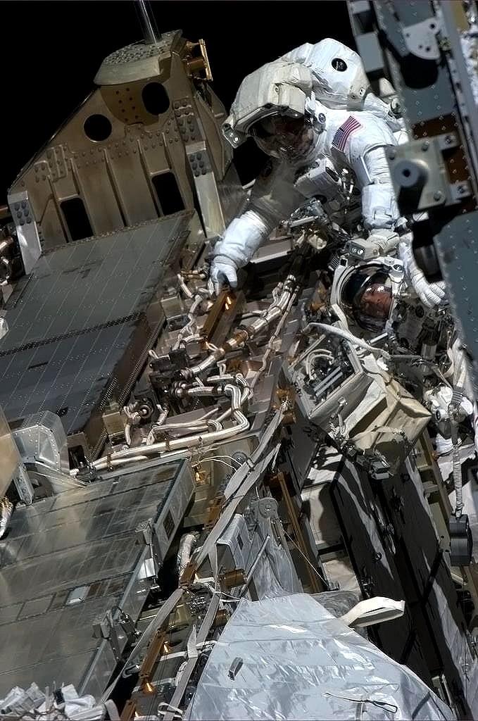 ISS, nouvelle fuite d'amoniac au segment P6 (Canal 2B) - Page 3 Sans_t27