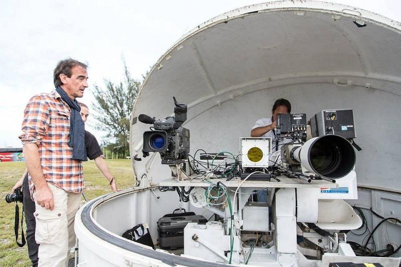 C'est pas sorcier fait escale au Centre Spatial Guyanais (tournage) Sans_t82