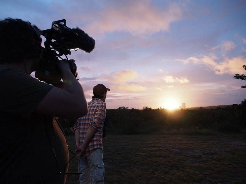 C'est pas sorcier fait escale au Centre Spatial Guyanais (tournage) Sans_t84