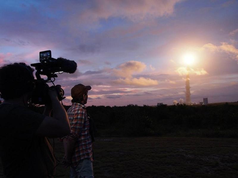 C'est pas sorcier fait escale au Centre Spatial Guyanais (tournage) Sans_t85