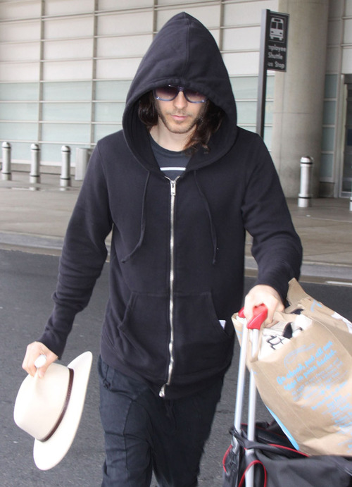 Jared & Shannon at Washington Reagan National Airport - 8 mai 2013 Tumblr22