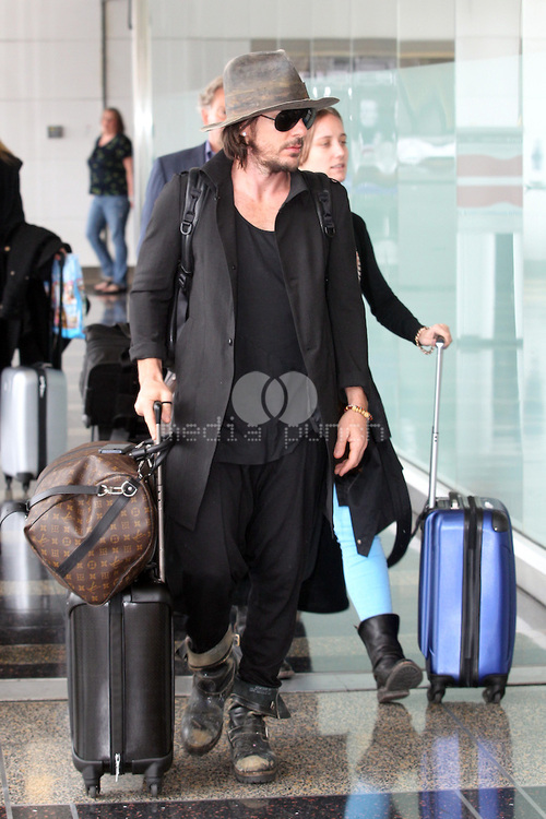 Jared & Shannon at Washington Reagan National Airport - 8 mai 2013 Tumblr25