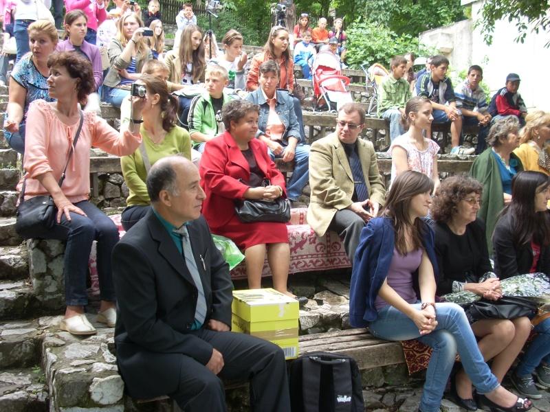 """""""Zâmbete în grădina copilăriei"""" - Lansare de carte si spectacol artistic, 01 iunie2013 Bojdeu14"""