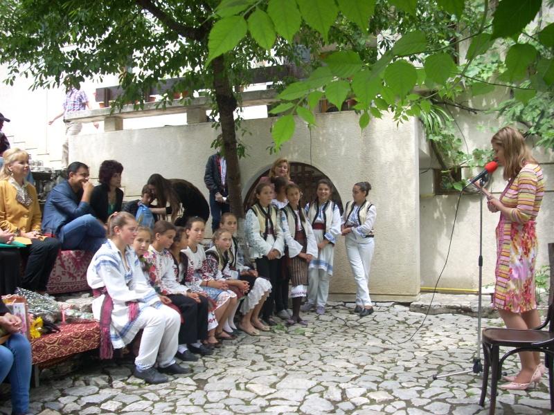 """""""Zâmbete în grădina copilăriei"""" - Lansare de carte si spectacol artistic, 01 iunie2013 Bojdeu16"""