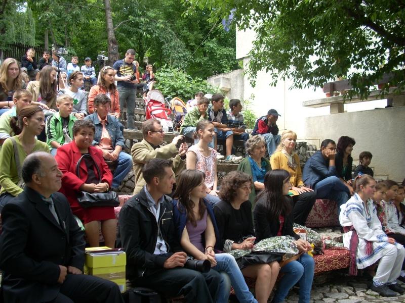 """""""Zâmbete în grădina copilăriei"""" - Lansare de carte si spectacol artistic, 01 iunie2013 Bojdeu34"""
