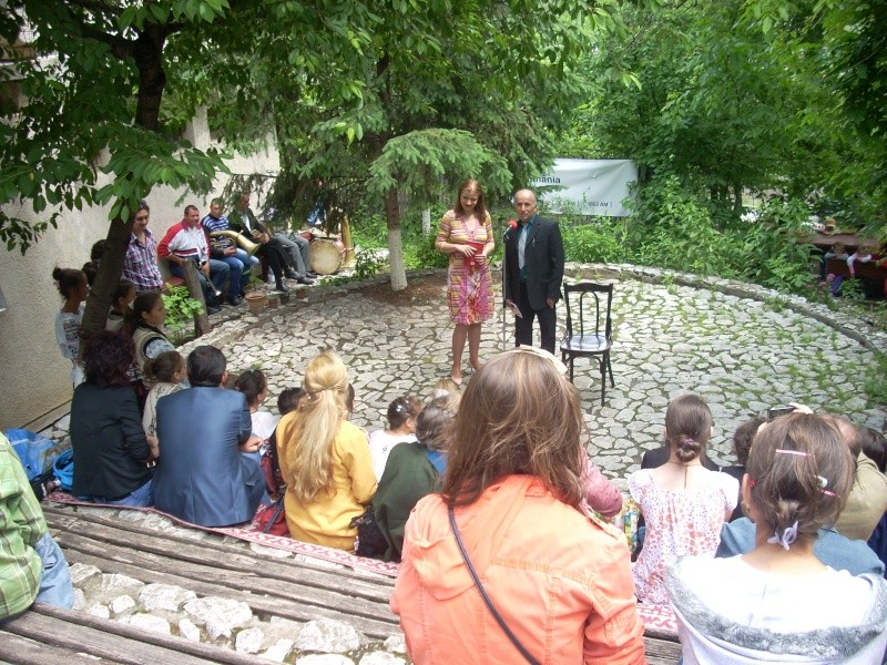 """""""Zâmbete în grădina copilăriei"""" - Lansare de carte si spectacol artistic, 01 iunie2013 Bojdeu36"""