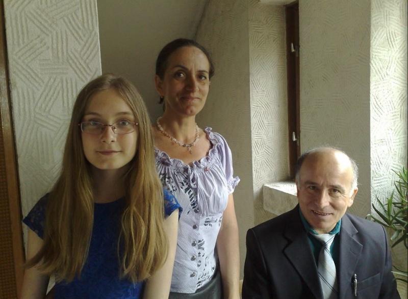"""""""Zâmbete în grădina copilăriei"""" - Lansare de carte si spectacol artistic, 01 iunie2013 Clip10"""