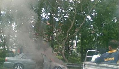 Car catches fire on the CTE, before Moulmein exit Untitl10