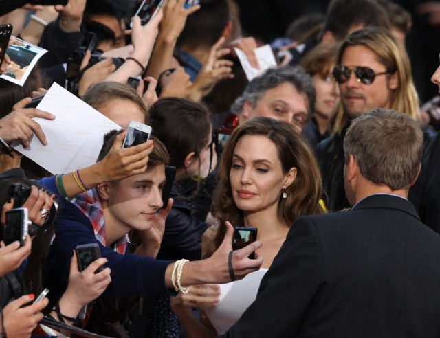 Brad and Angelina at World War Z Premiere, Sony Center..Berlin, Germany..June 4th 2013 - Page 2 000039