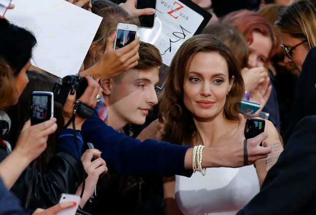 Brad and Angelina at World War Z Premiere, Sony Center..Berlin, Germany..June 4th 2013 - Page 2 0000_c18