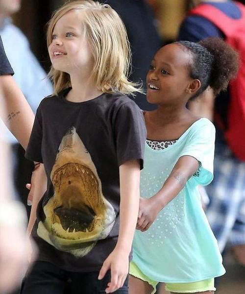 Shiloh and Zahara shopping in New York...June 18th 2013 00119