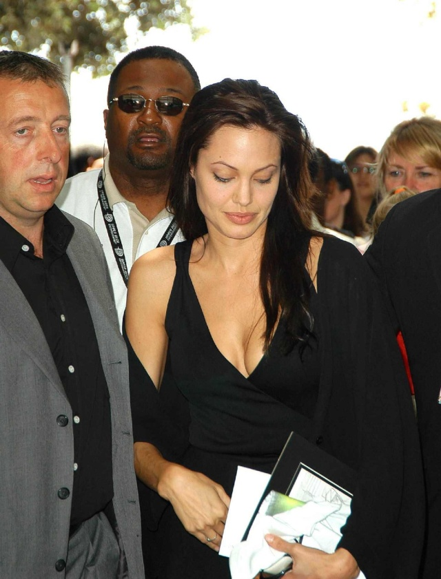 Angelina at ComicCon..July 19th 2003 00144418