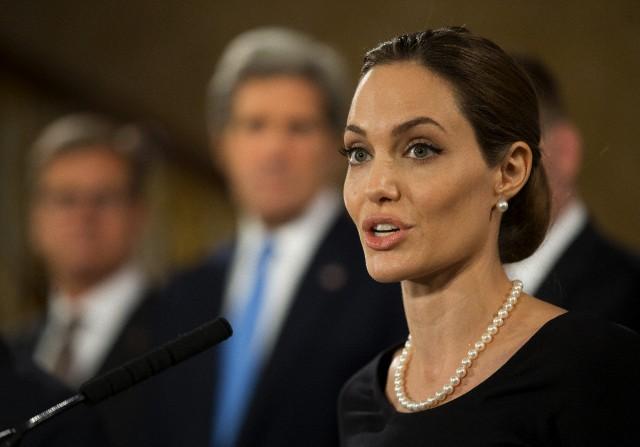 Angelina at G8 Summit..April 11th 2013 001_co10