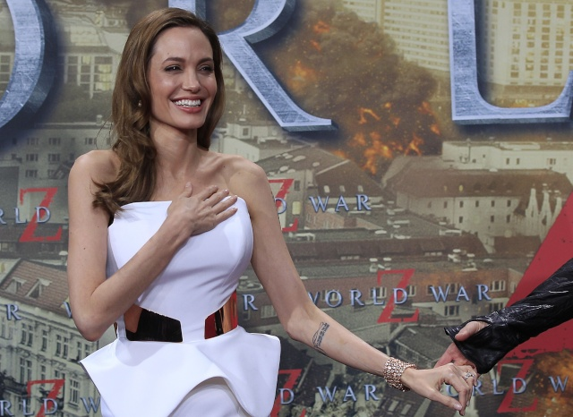 Brad and Angelina at World War Z Premiere, Sony Center..Berlin, Germany..June 4th 2013 - Page 2 001_co17