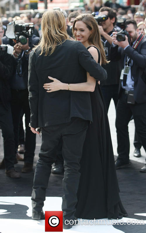 Brad and Angelina at World War Z Premiere..Leicester Square, London..June 2nd, 2013 - Page 2 0026610