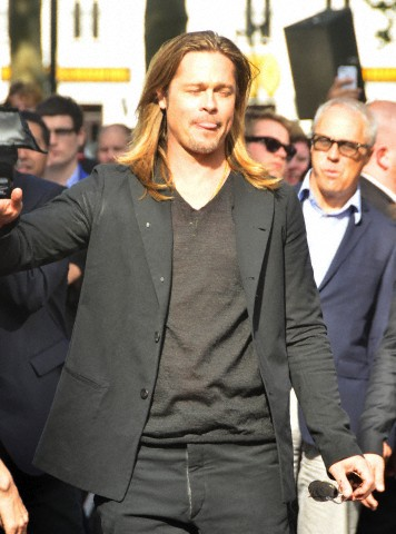 Brad and Angelina at World War Z Premiere..Leicester Square, London..June 2nd, 2013 - Page 3 00335827