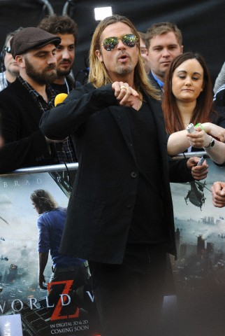 Brad and Angelina at World War Z Premiere..Leicester Square, London..June 2nd, 2013 - Page 2 00414012